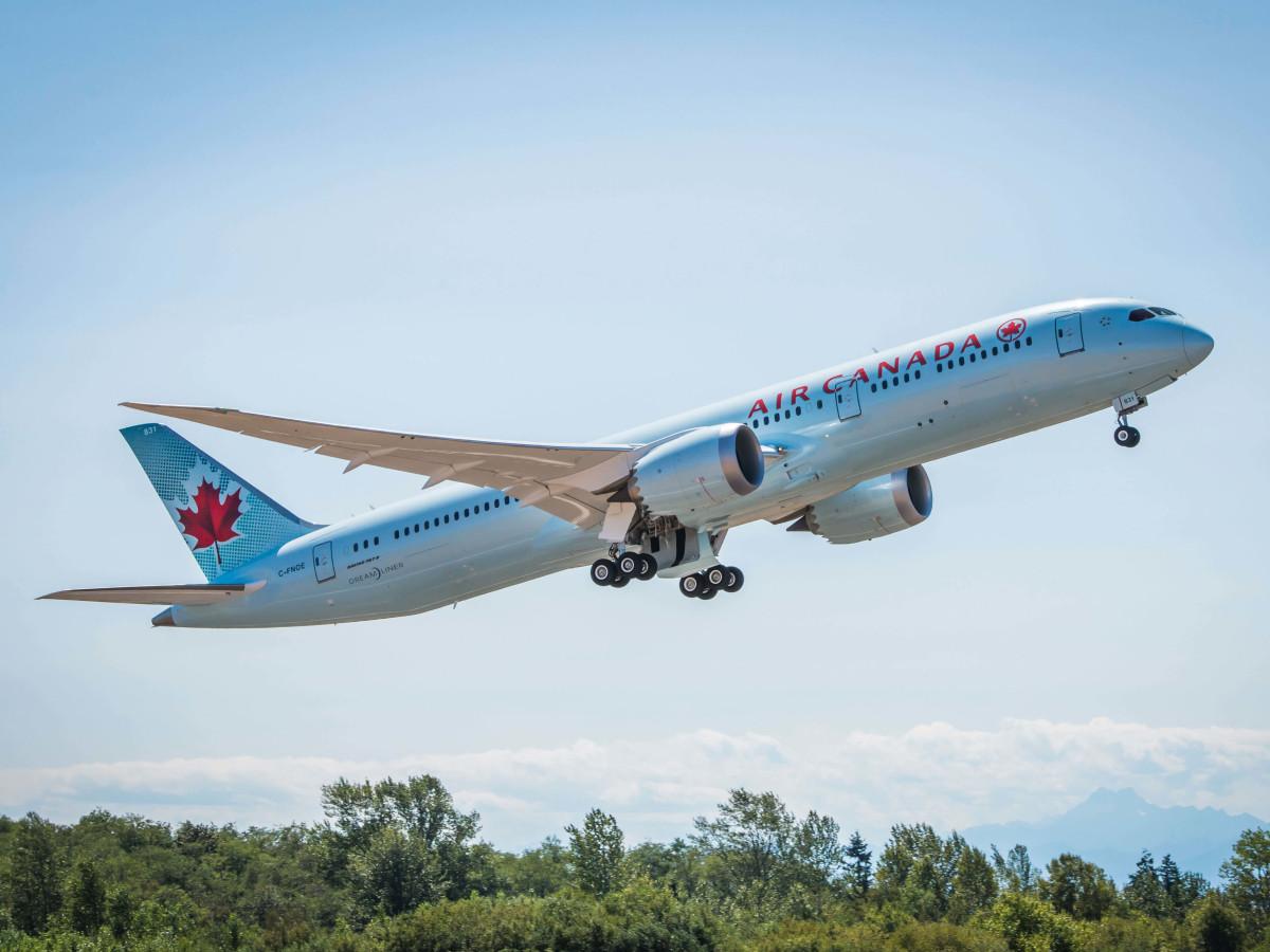 Air Canada airplane flight