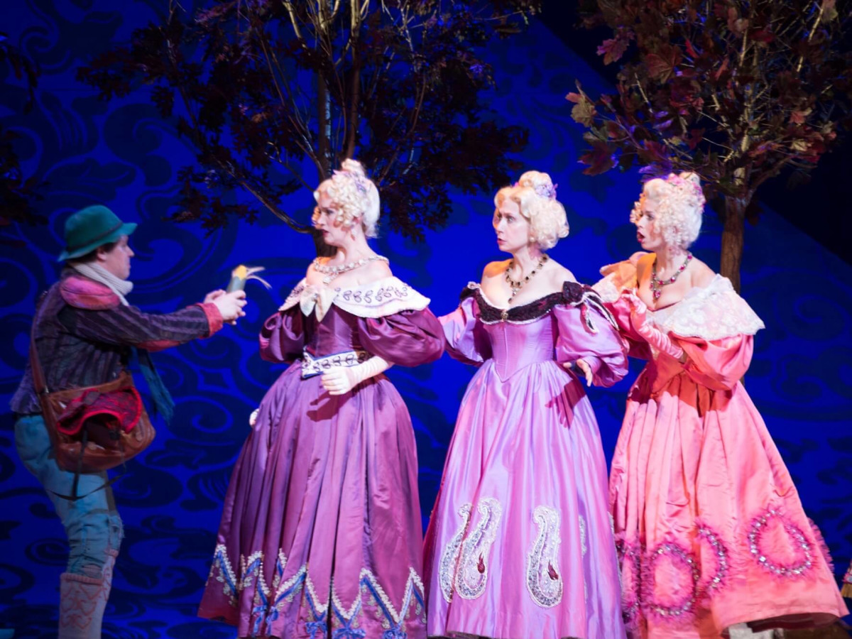 TUTS Into the Woods-The Baker & Cinderella's Step Sisters
