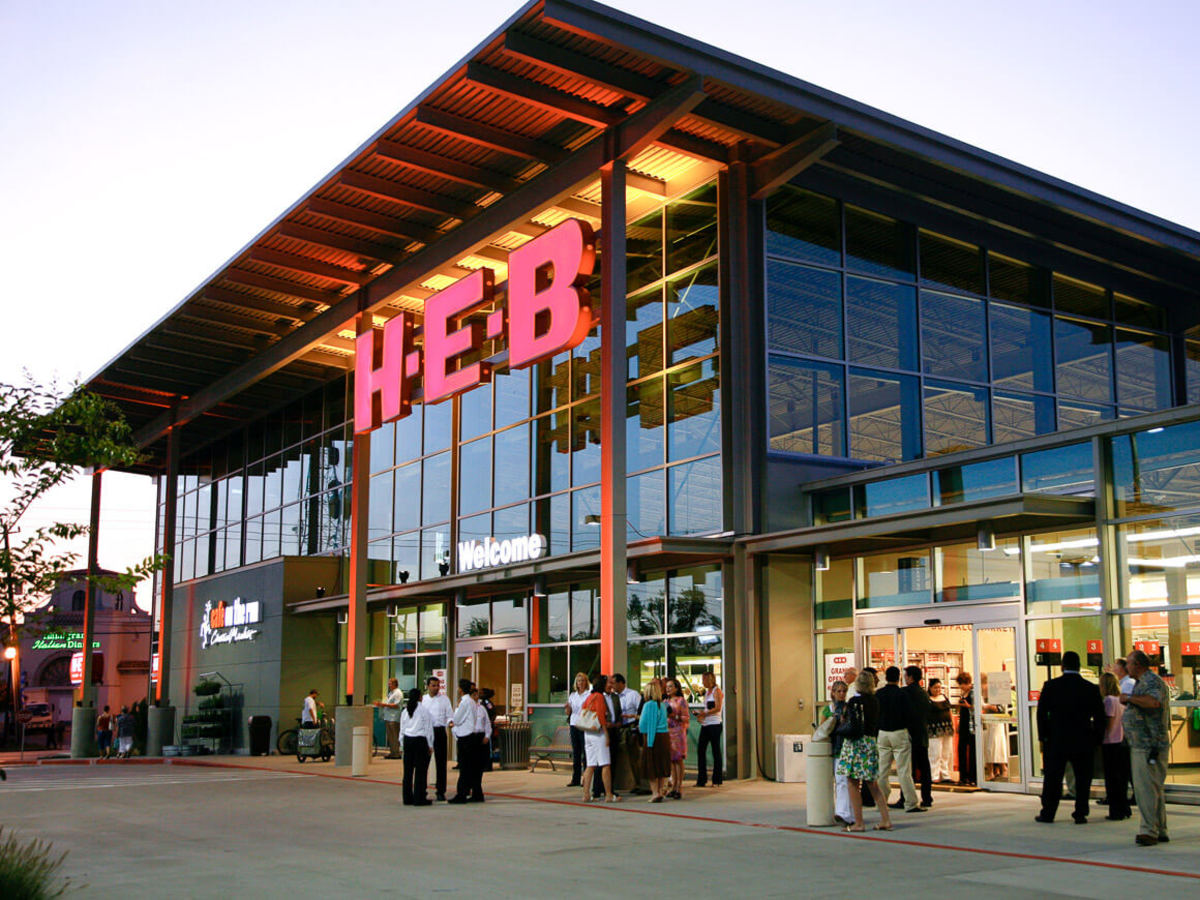 Places-Shopping-H-E-B Buffalo Market