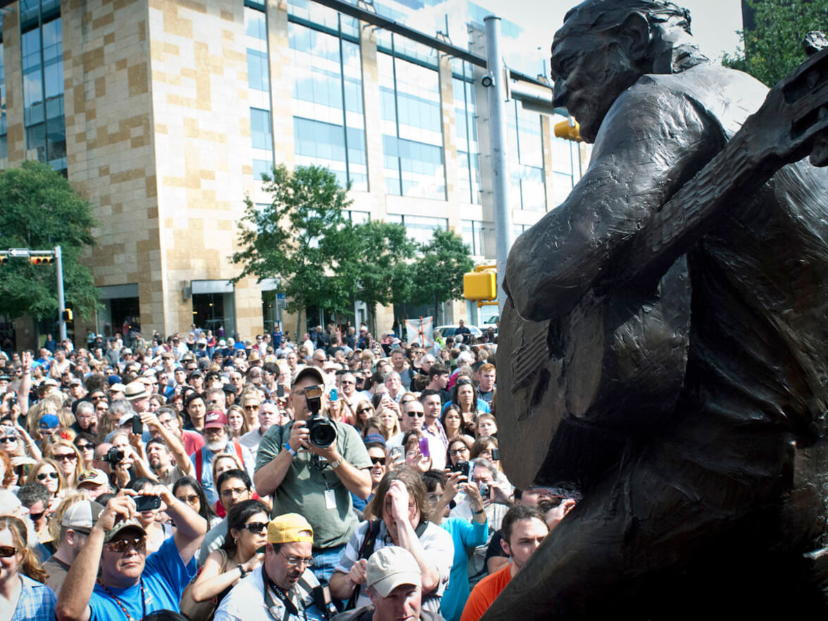 Austin Photo Set: News_jon_willie nelson statue unveiling_april 2012_17