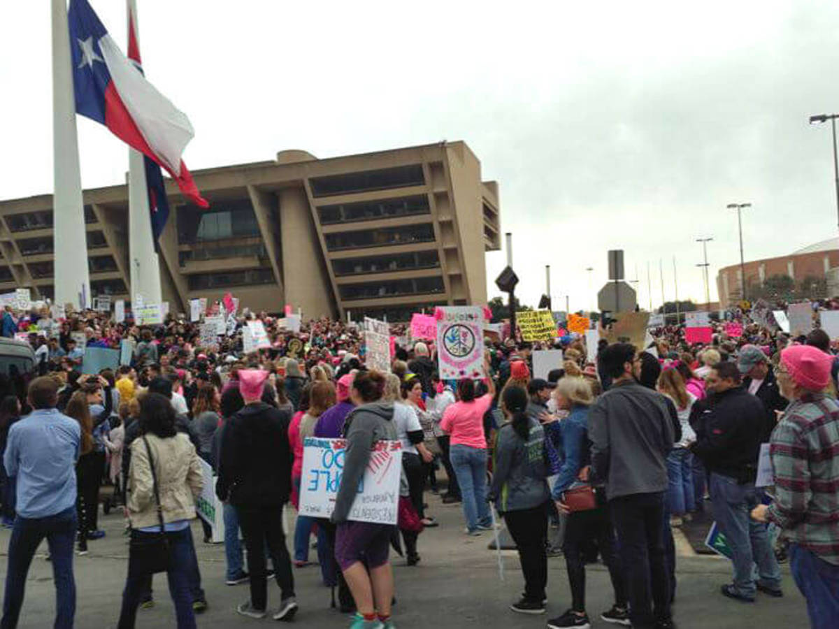 March, Dallas City Hall