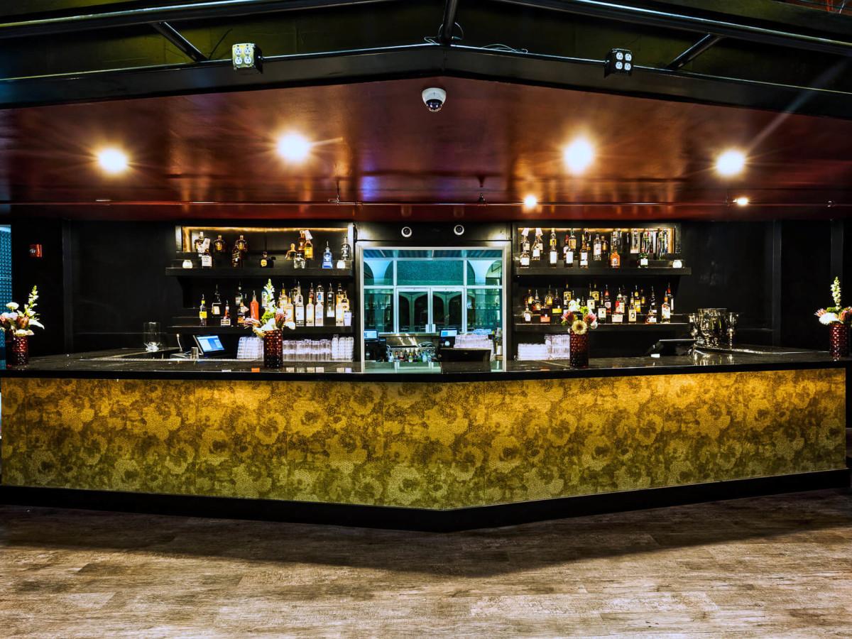Houston, The Spire, Jan 2017, The bar