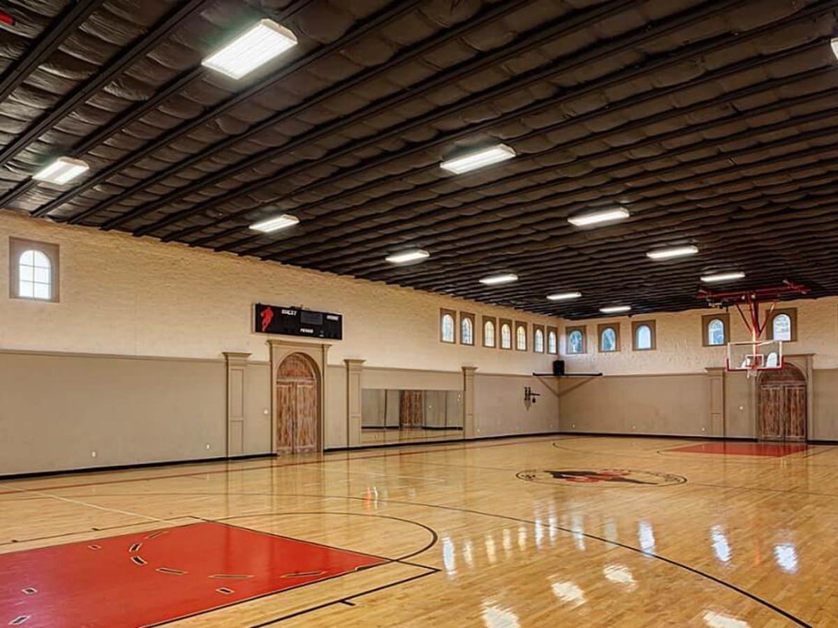 2 Rivercrest Drive basketball court Houston