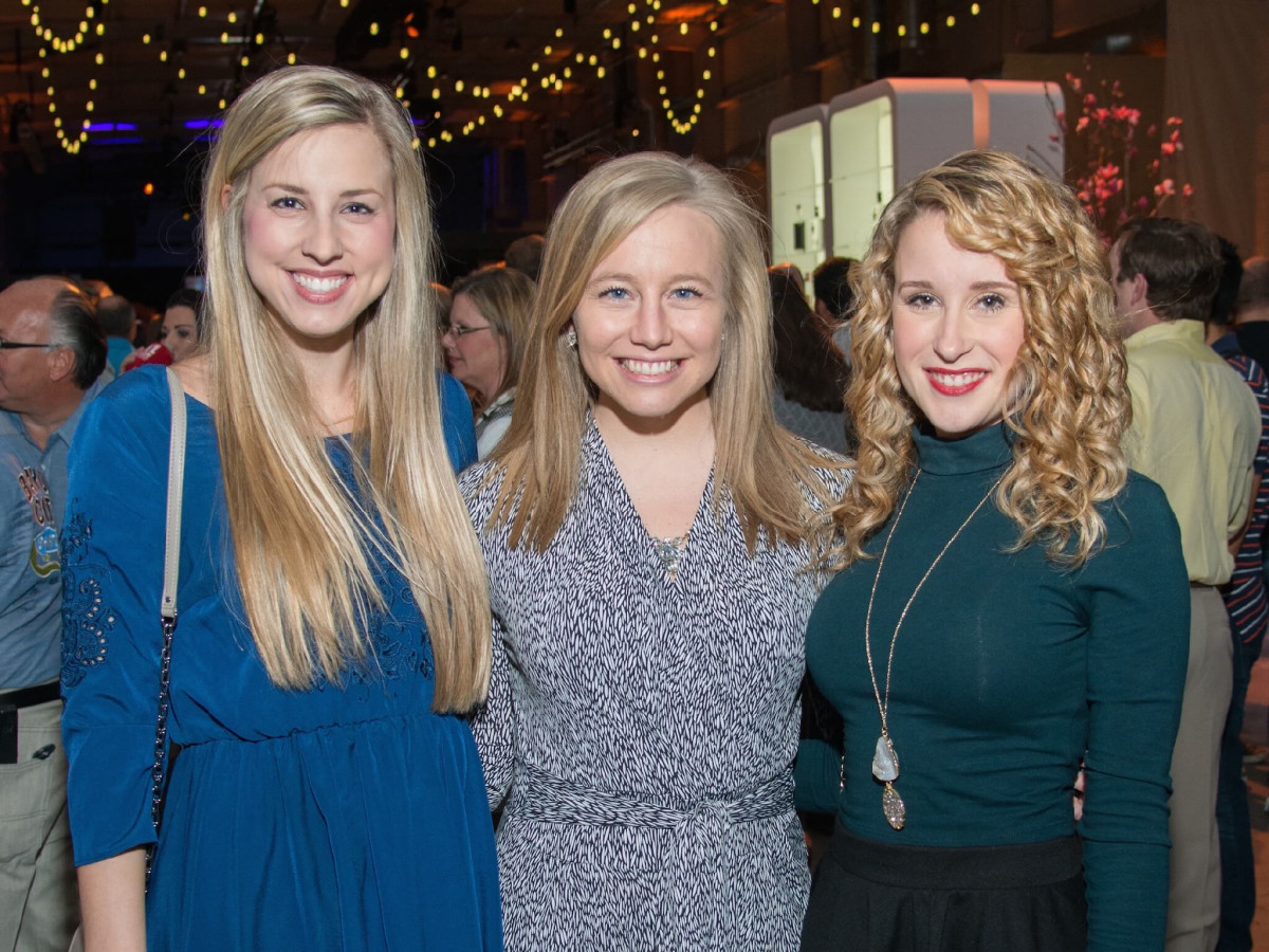 Erin Fidde, Taryn McCoy, Cassie Hull at Big Texas Party