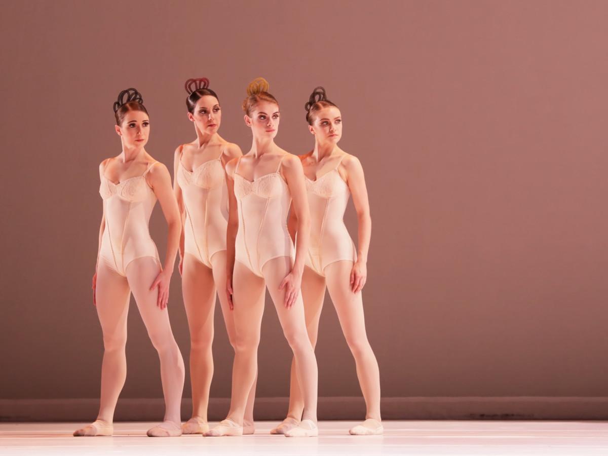 Artists of Houston Ballet in Grosse Fuge