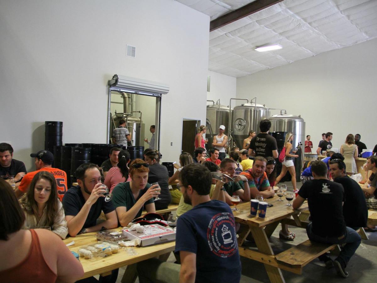 Buffalo Bayou Brewing Co., crowd, open house