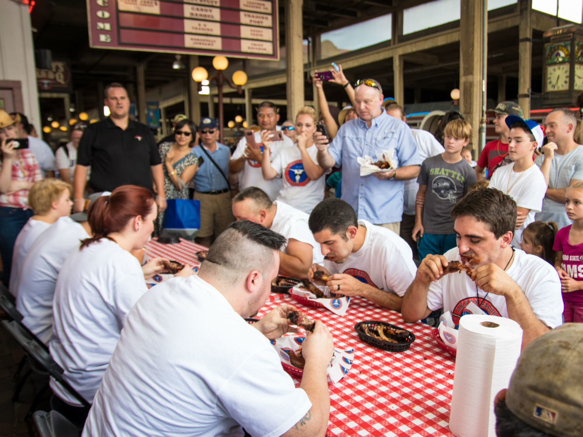 Riscky's Barbeque Annual Rib-Eating Contest