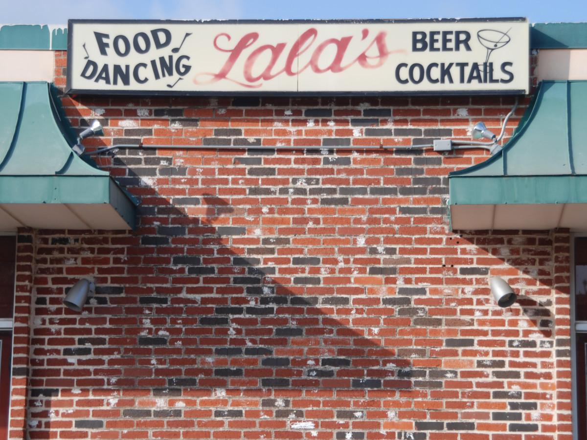 Austin Photo Set: Places_Drink_Lala's_exterior2