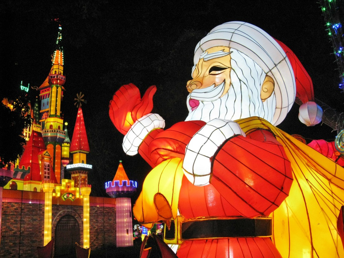 Holiday Lights at Chinese Lantern Festival