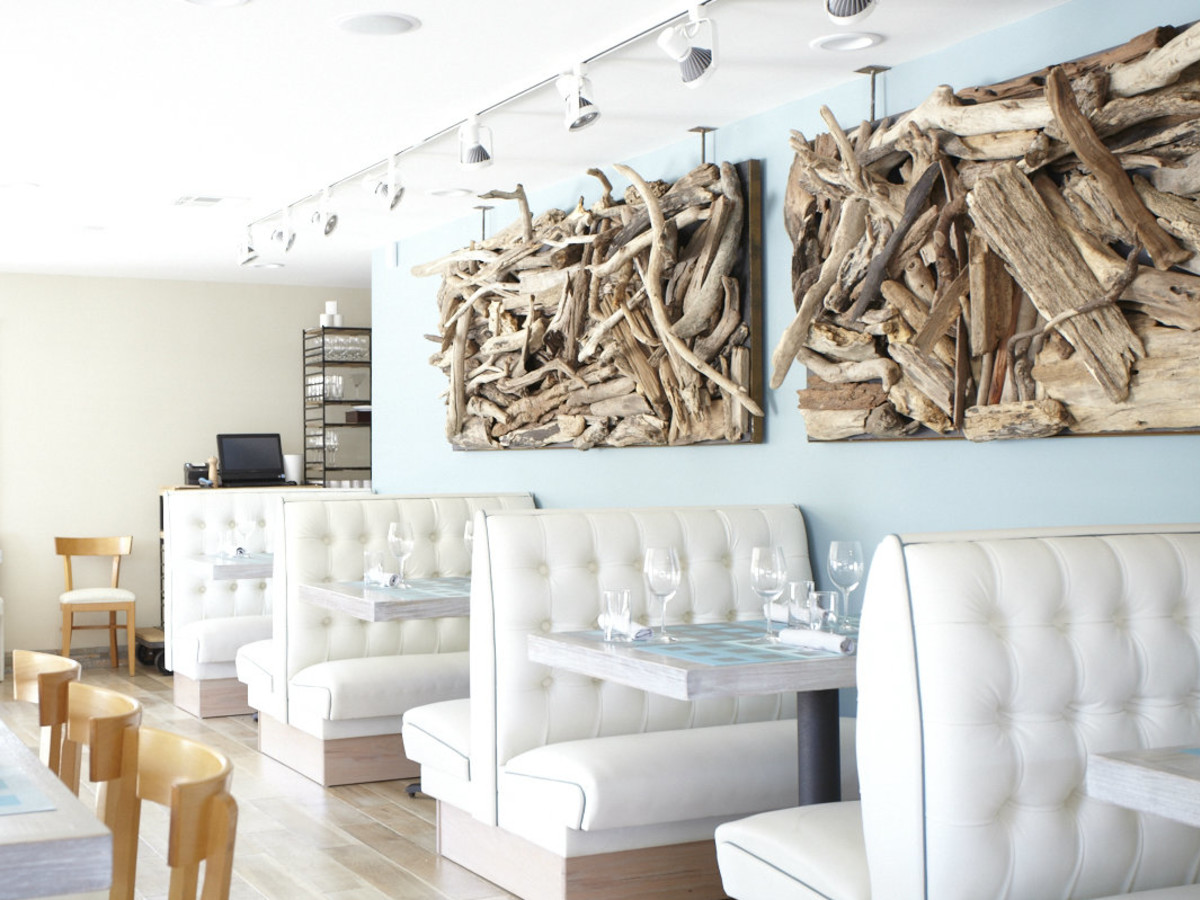Driftwood restaurant in Dallas