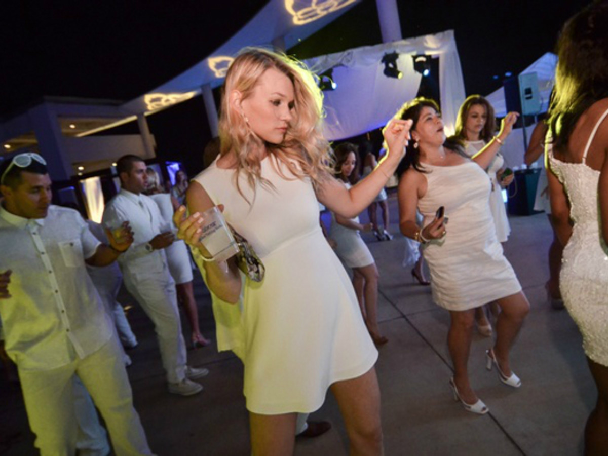9901 One of the largest social events in Austin, The White Party brings huge crowds to drink and dance in support of LifeWorks