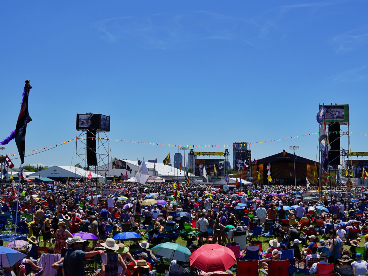 Jazz Fest in New Orleans crowd