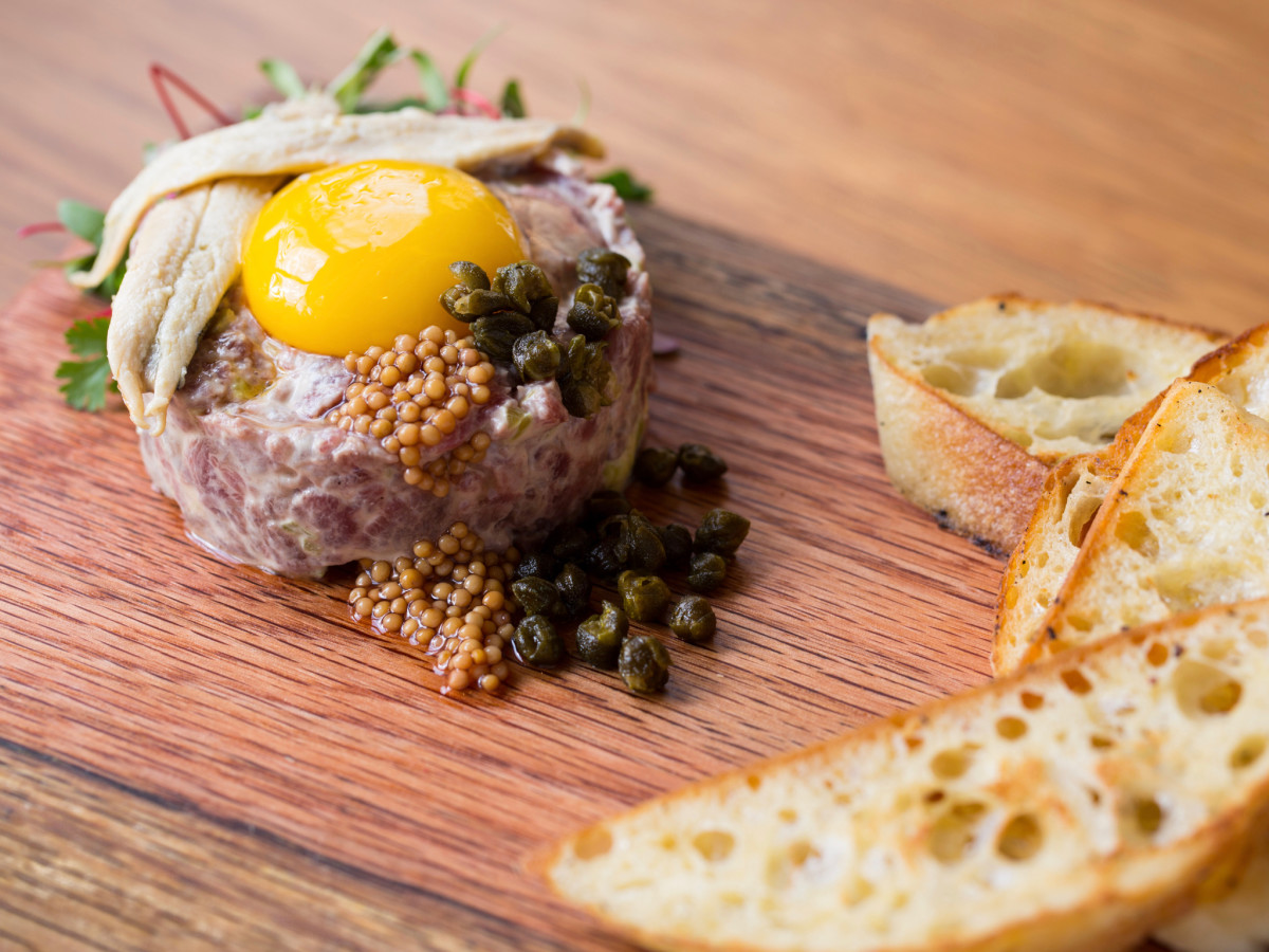 The Pearl Sam Houston Hotel Jodie's steak tartare