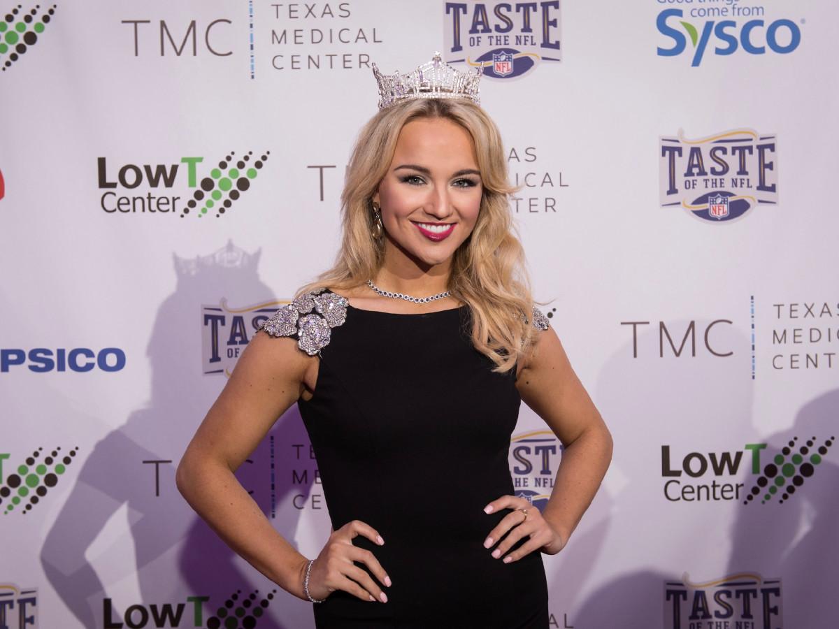Taste of the NFL Miss America Savvy Shields