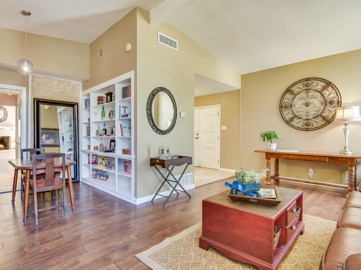 3010 Albin San Antonio house for sale living room