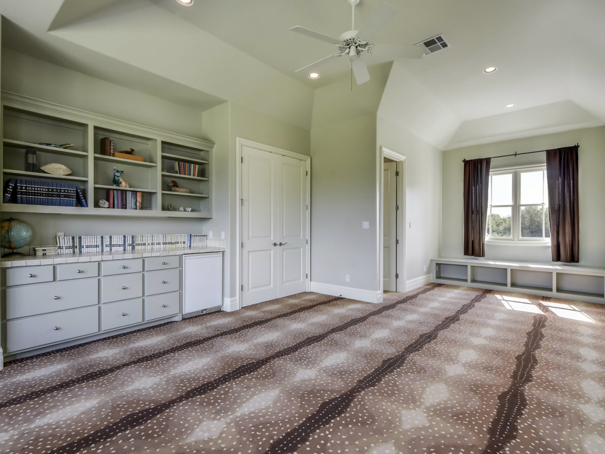 3904 Toro Canyon Rd Austin house for sale upper living room
