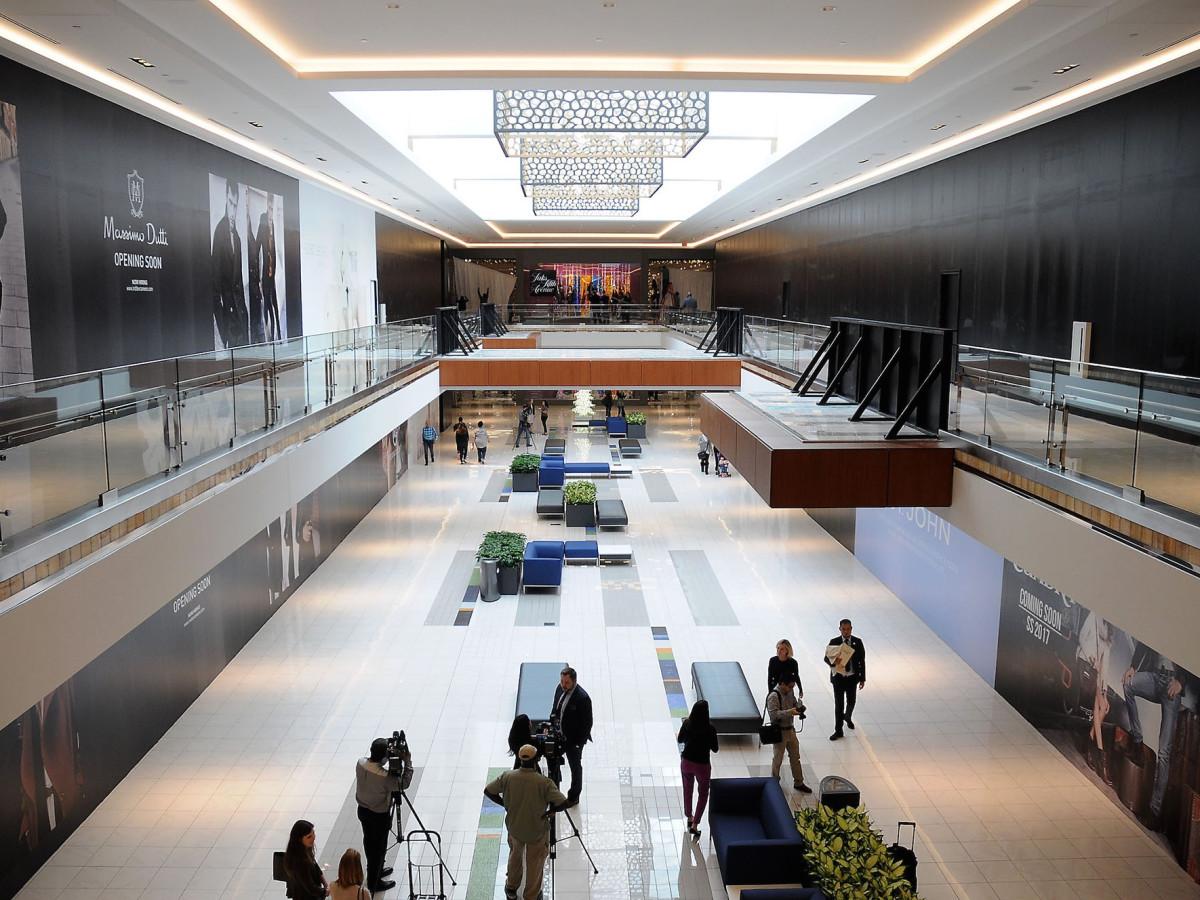 Galleria VI corridor
