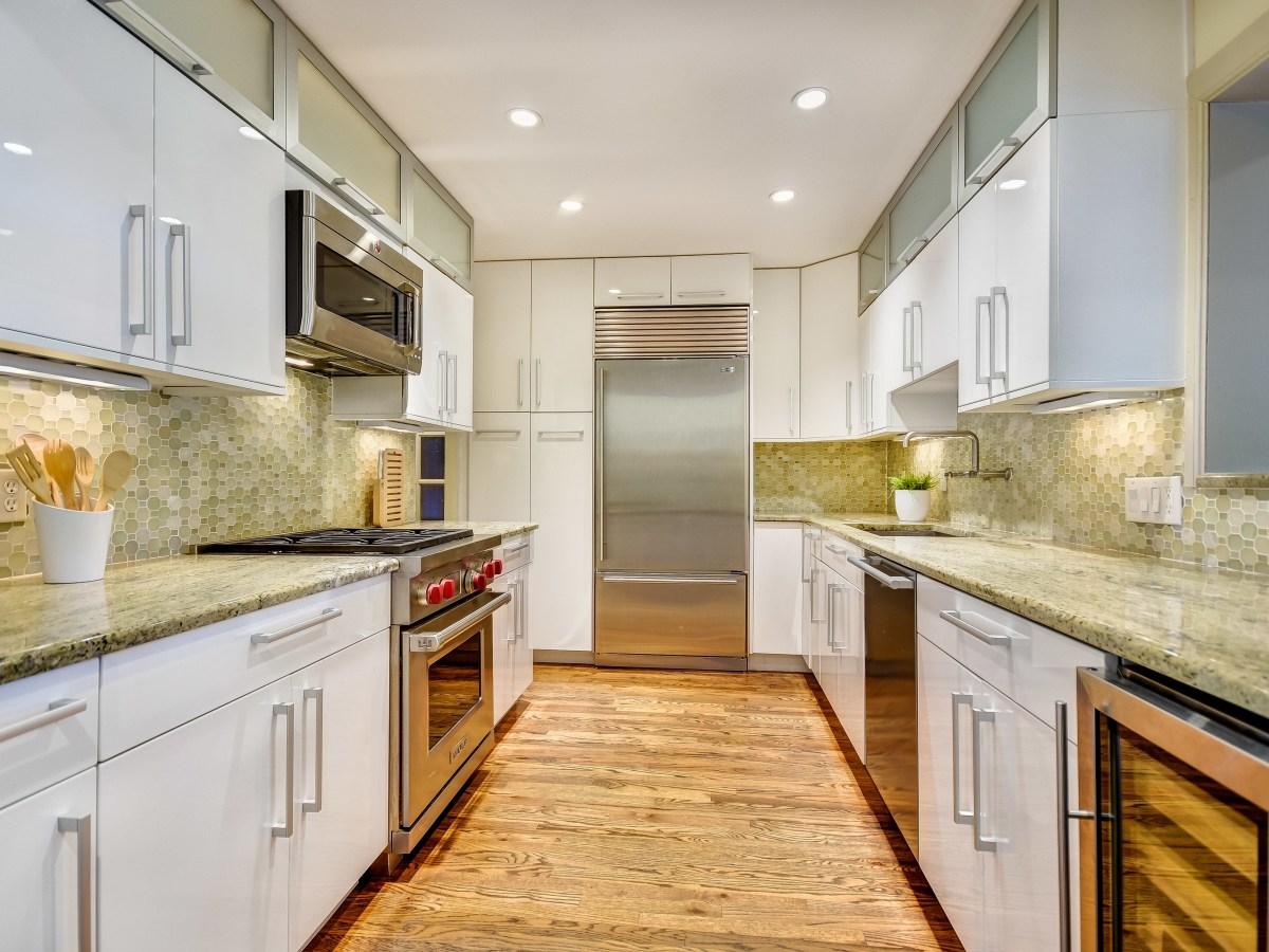 141 Cloverleaf San Antonio house for sale kitchen