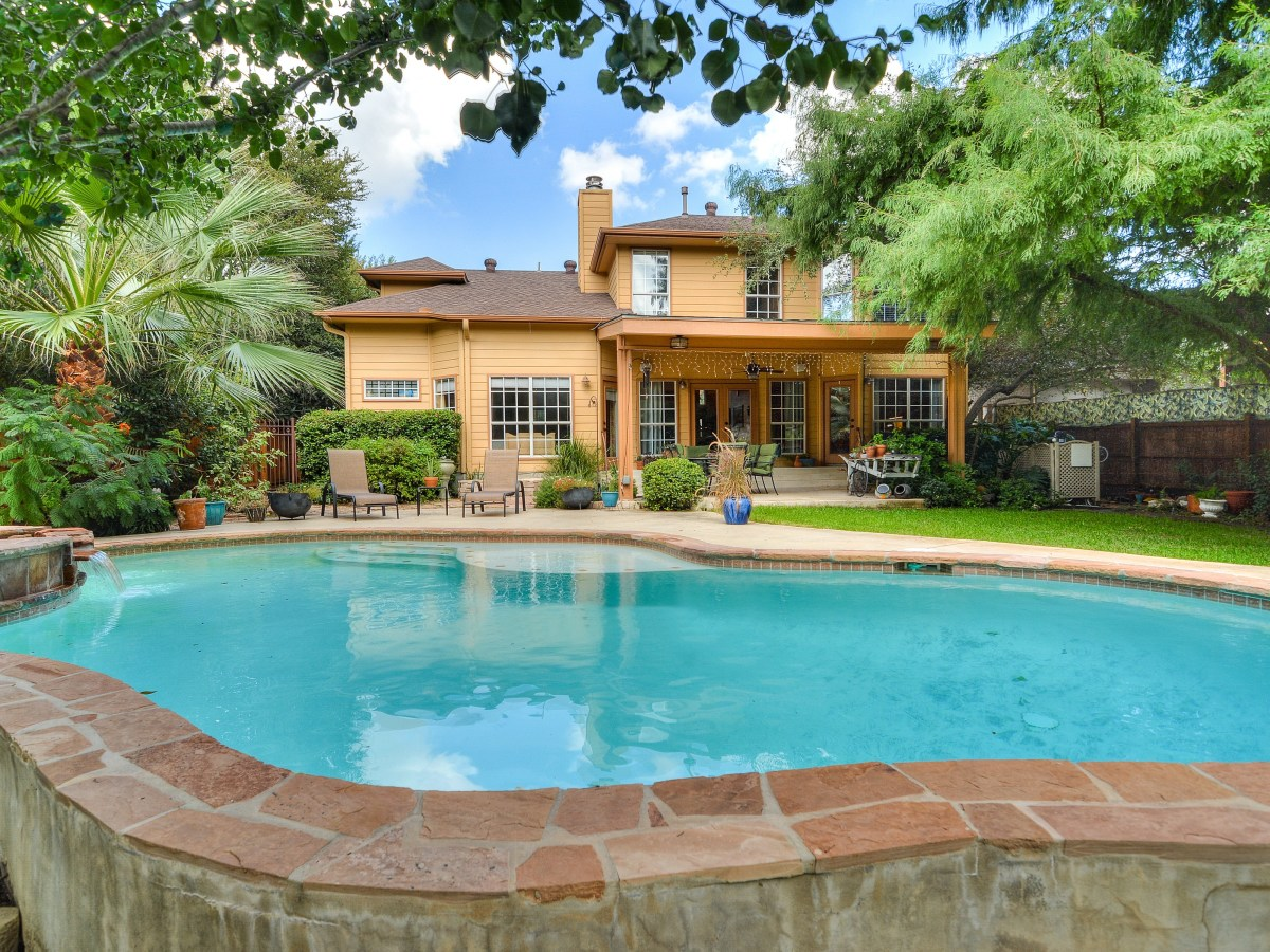 14 Greens Whisper San Antonio house for sale pool