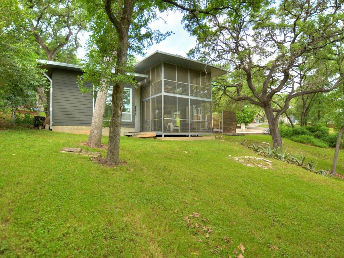 2808 Pickwick Austin house for sale backyard