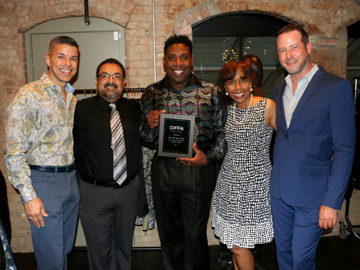 DIFFA/Dallas grants distribution 2016