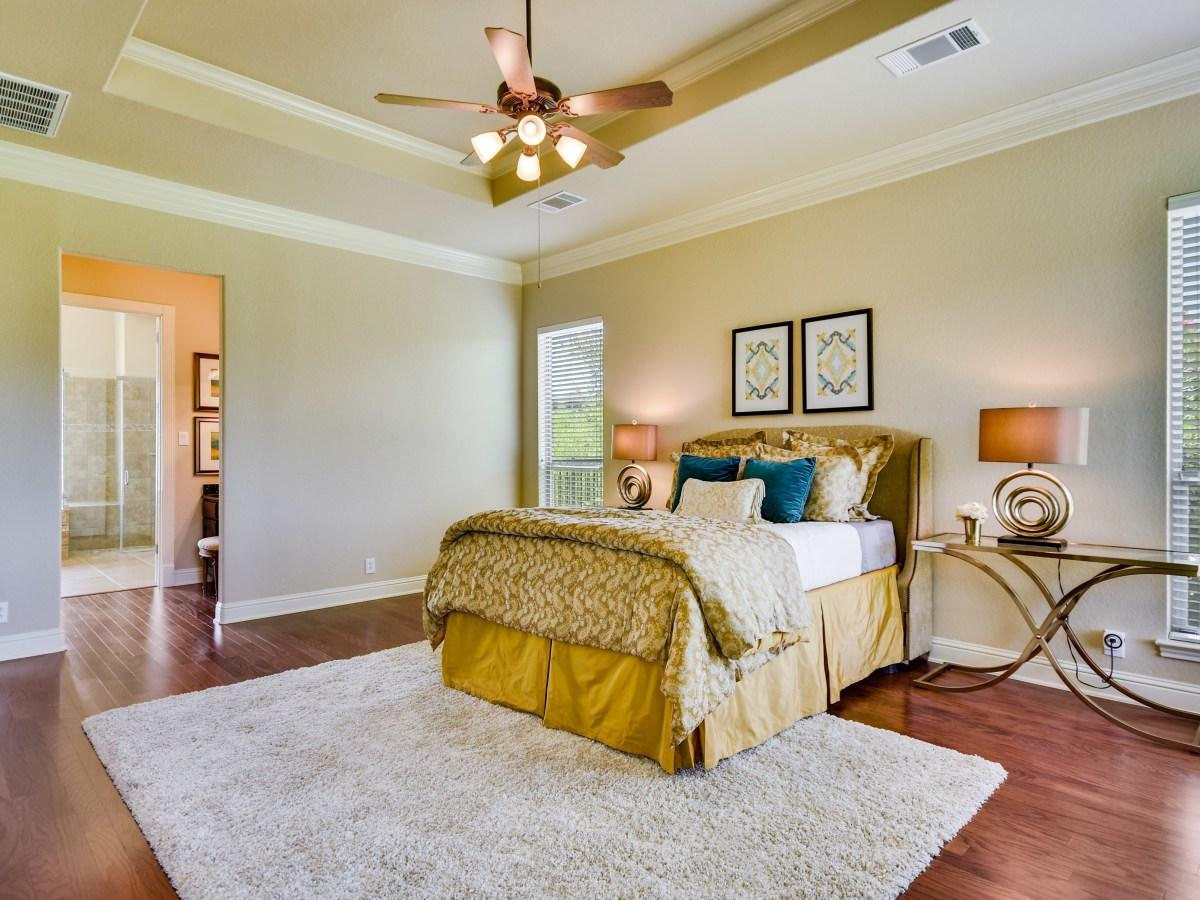 18027 Resort View San Antonio house for sale master bedroom