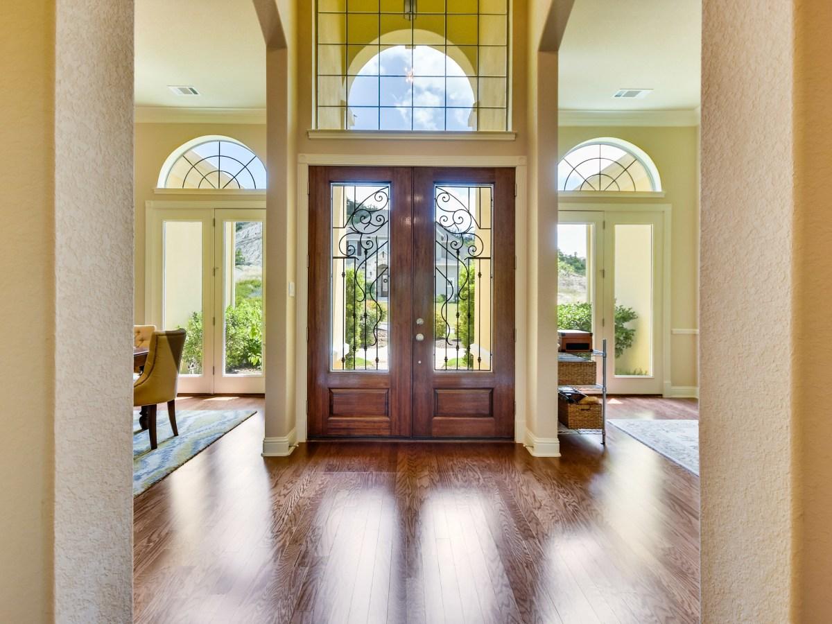 18027 Resort View San Antonio house for sale entryway