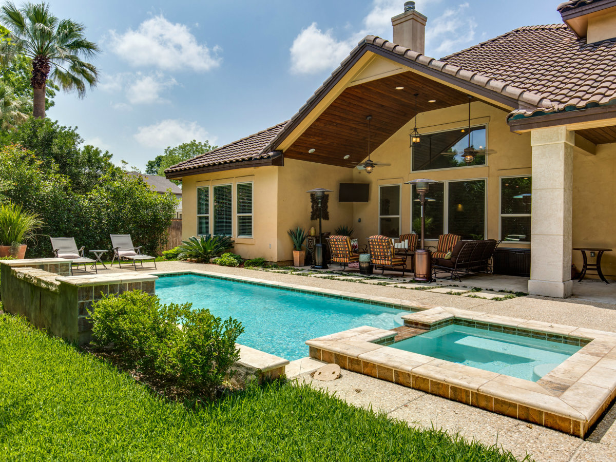 821 Canterbury Hill San Antonio house for sale pool