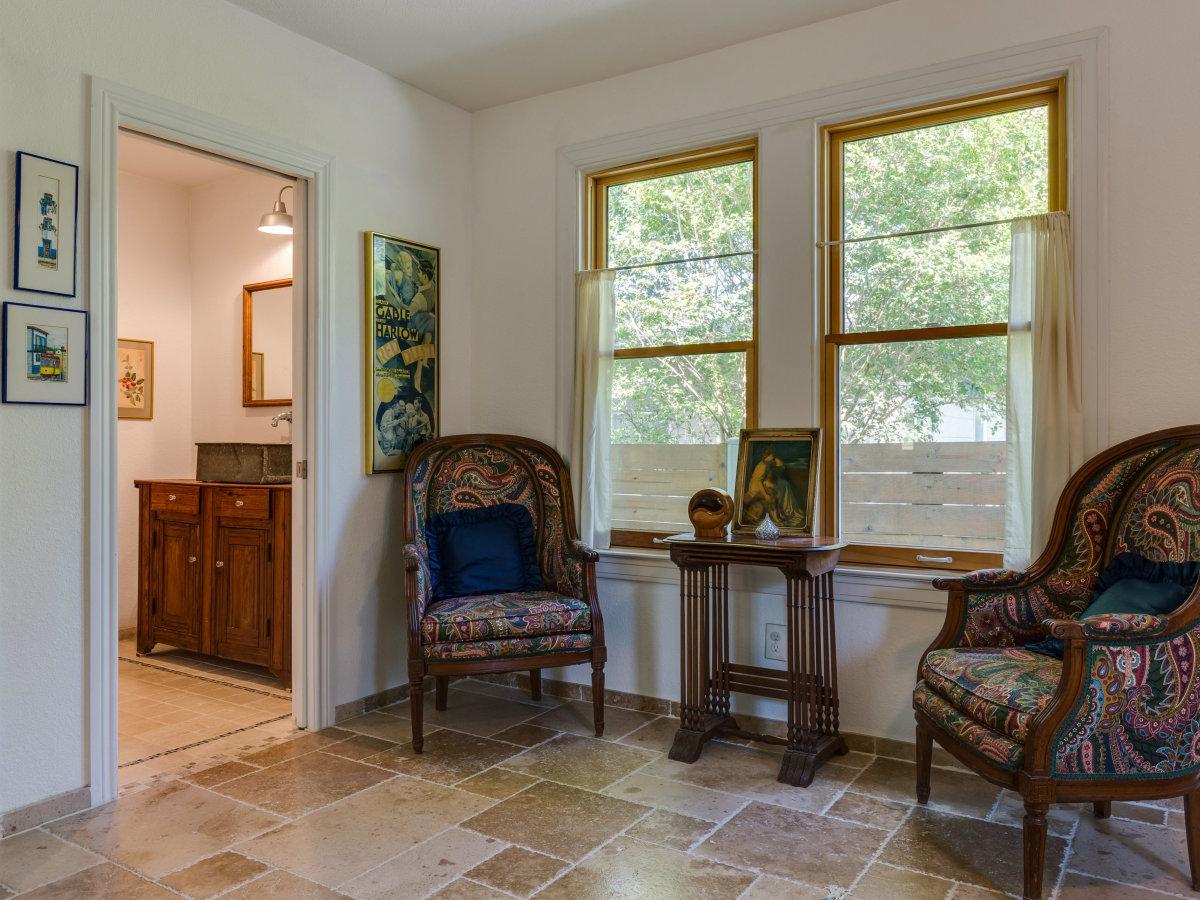 115 W Castano San Antonio house for sale