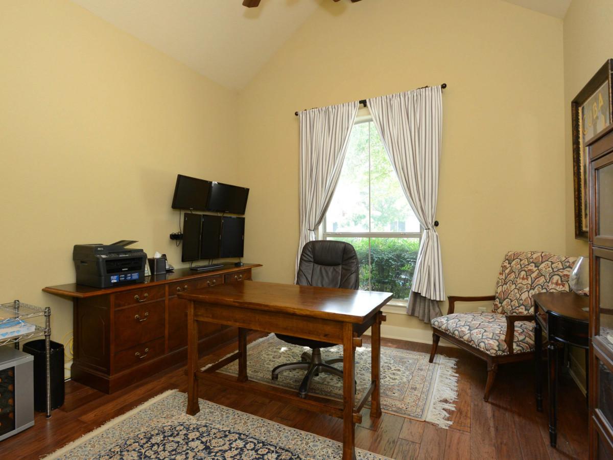 7111 Bethencourt San Antonio house for sale study