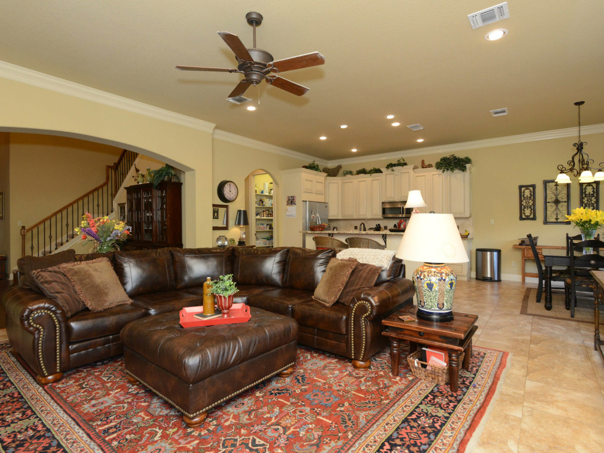 7111 Bethencourt San Antonio house for sale living room