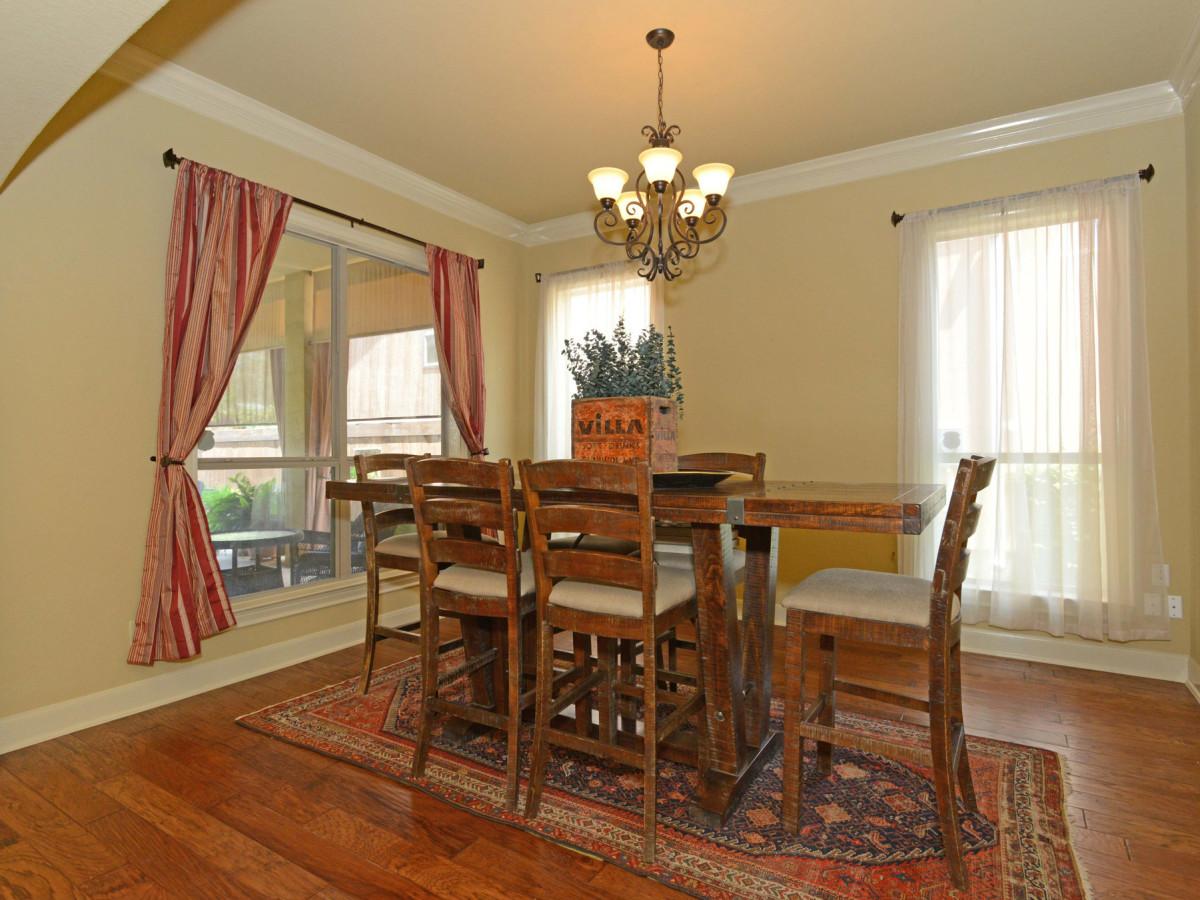 7111 Bethencourt San Antonio house for sale dining room