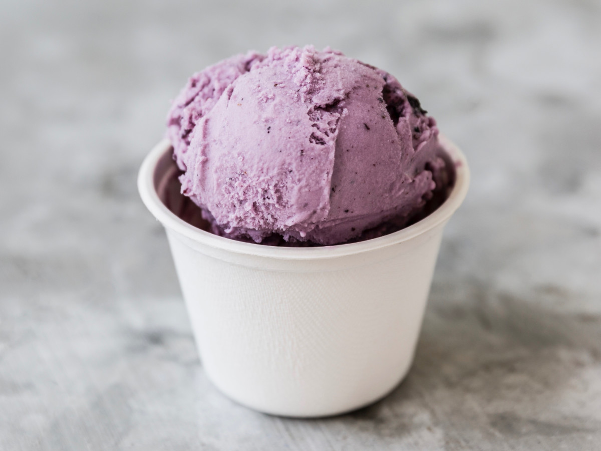 Lee's Creamery lemon blueberry