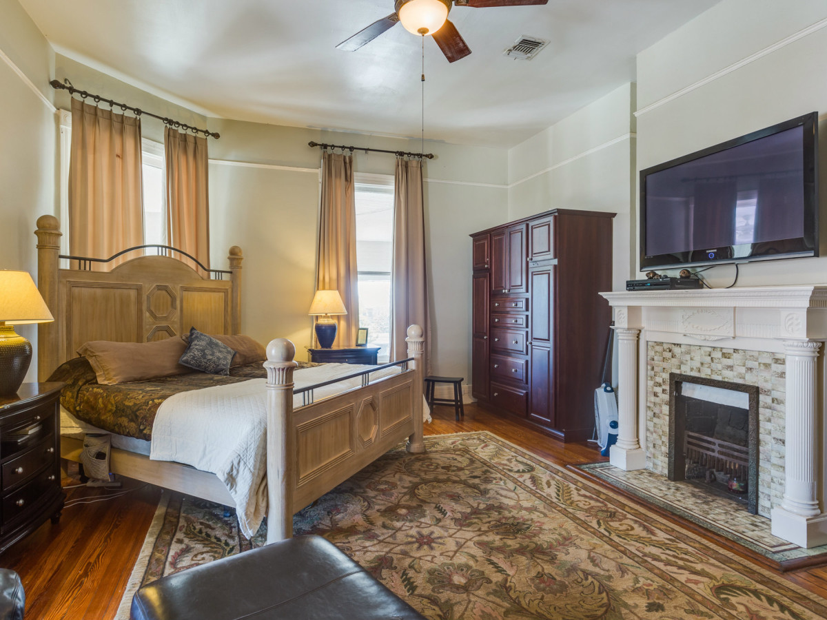 415 French Pl San Antonio house for sale bedroom