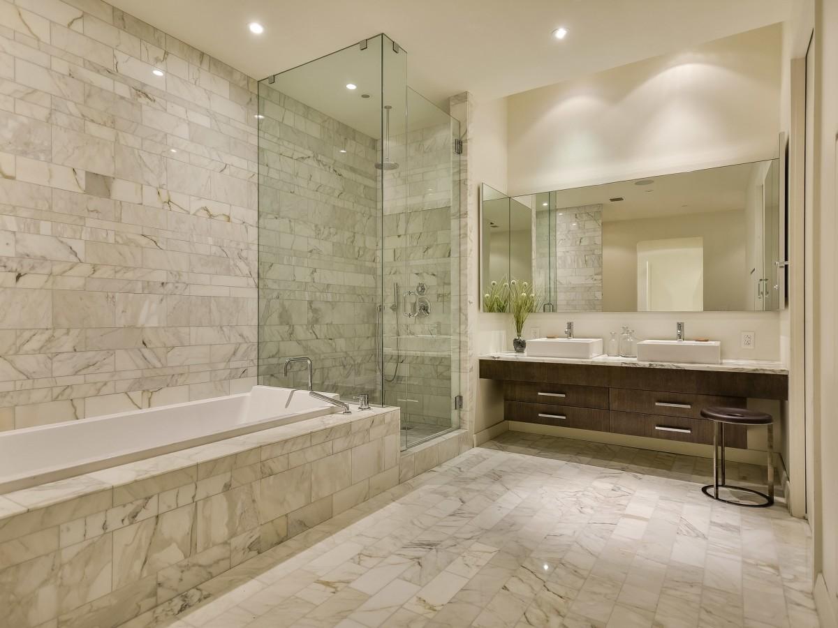 210 Lavaca Austin condo for sale bathroom