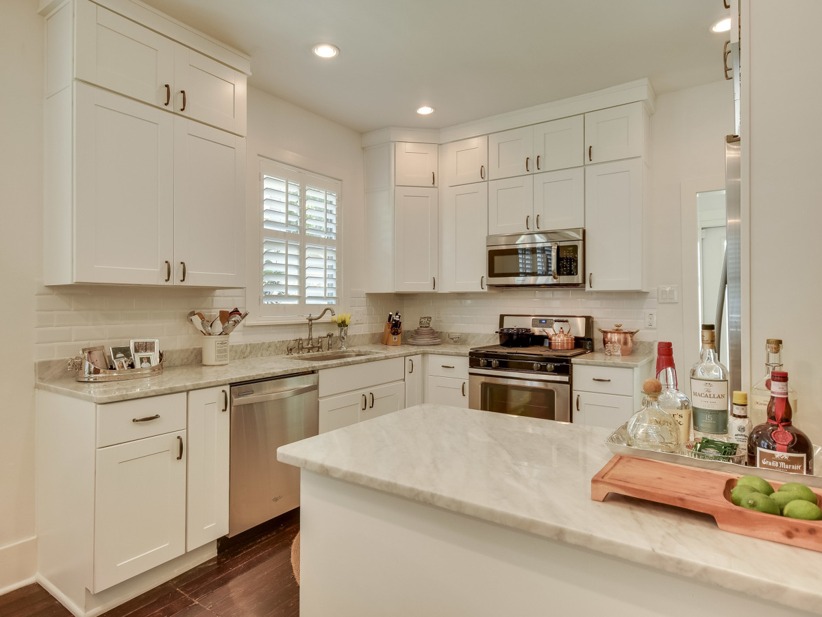 423 Queen Anne San Antonio house for sale kitchen