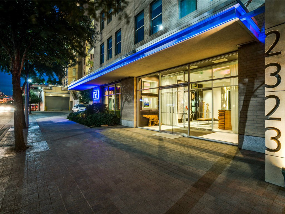 2323 N Houston St condo Dallas