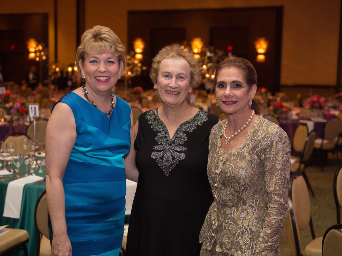 Holocaust Museum LBJ Dinner, 6/16 Kelly Zuniga, Assaela Bilski Weinstein, Gail Klein