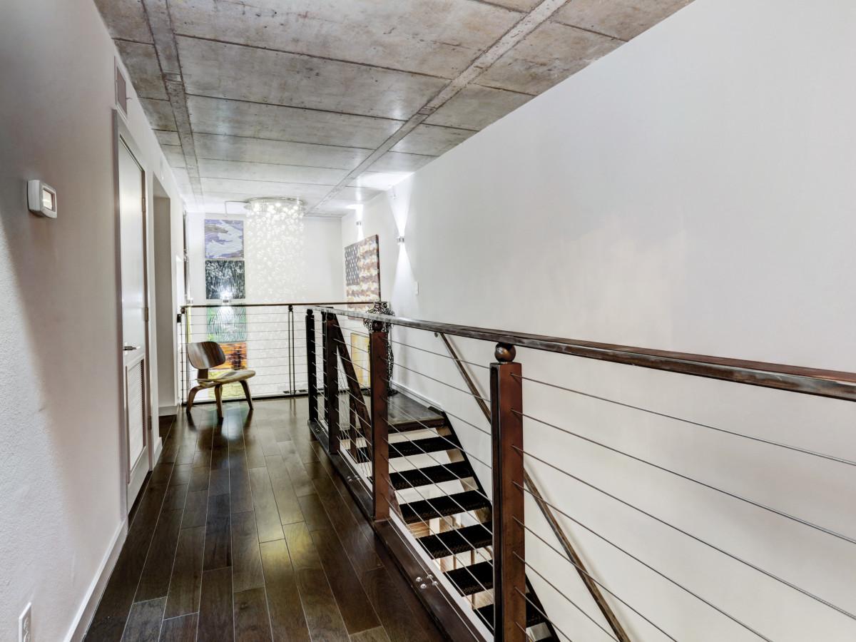 6007 Memorial, staircase