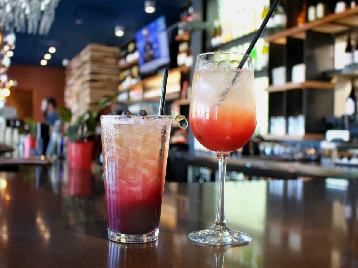Hotel Eleven 11th Street Austin 2016 bar wine cocktails