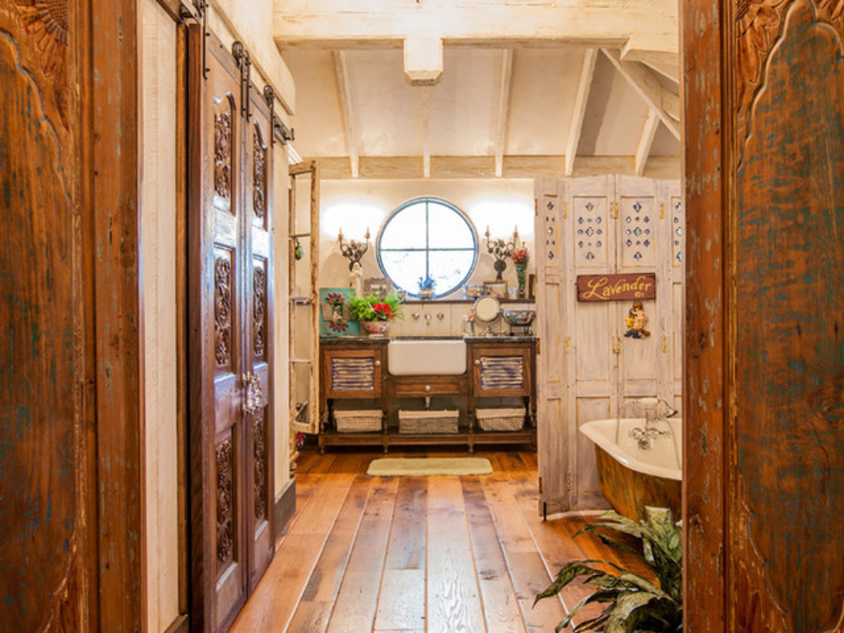 Dallas University Park home Houzz tour bathroom