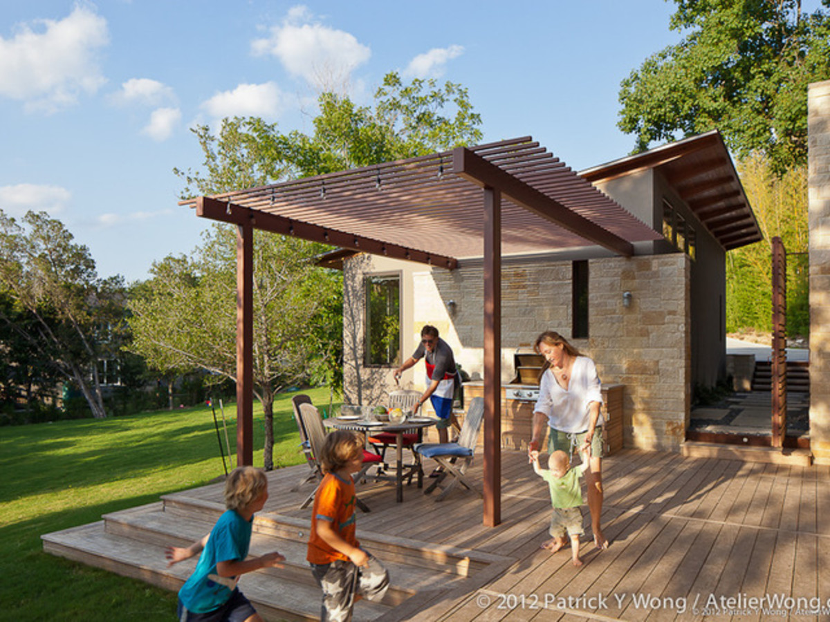 Houzz Austin home tour healthy house backyard