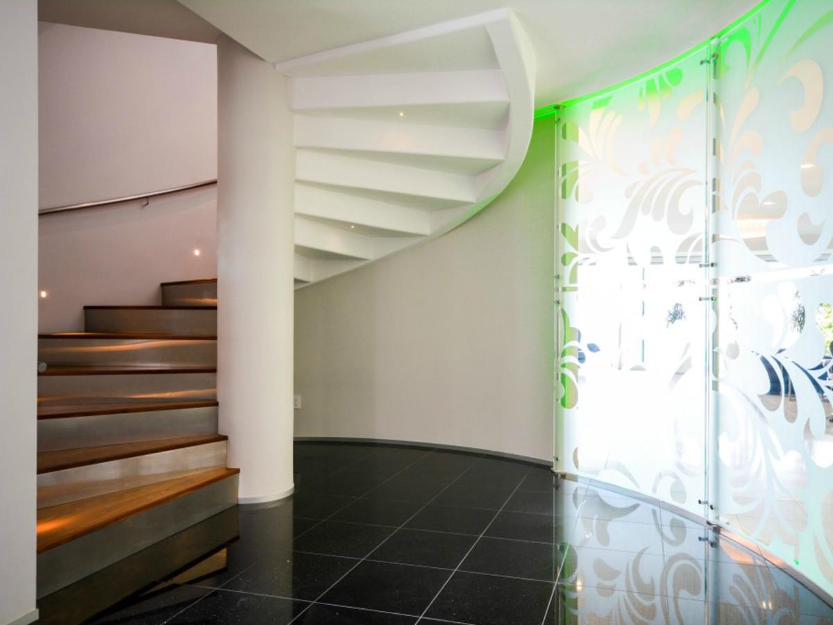 Austin house home Acqua Villa Winn Wittman Lake Travis 14515 Ridgetop Terrace 78732 stairs design detail