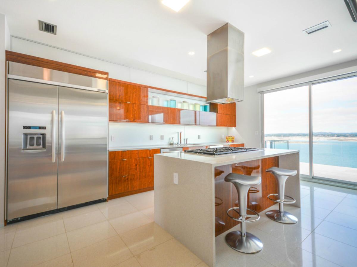 Austin house home Acqua Villa Winn Wittman Lake Travis 14515 Ridgetop Terrace 78732 kitchen
