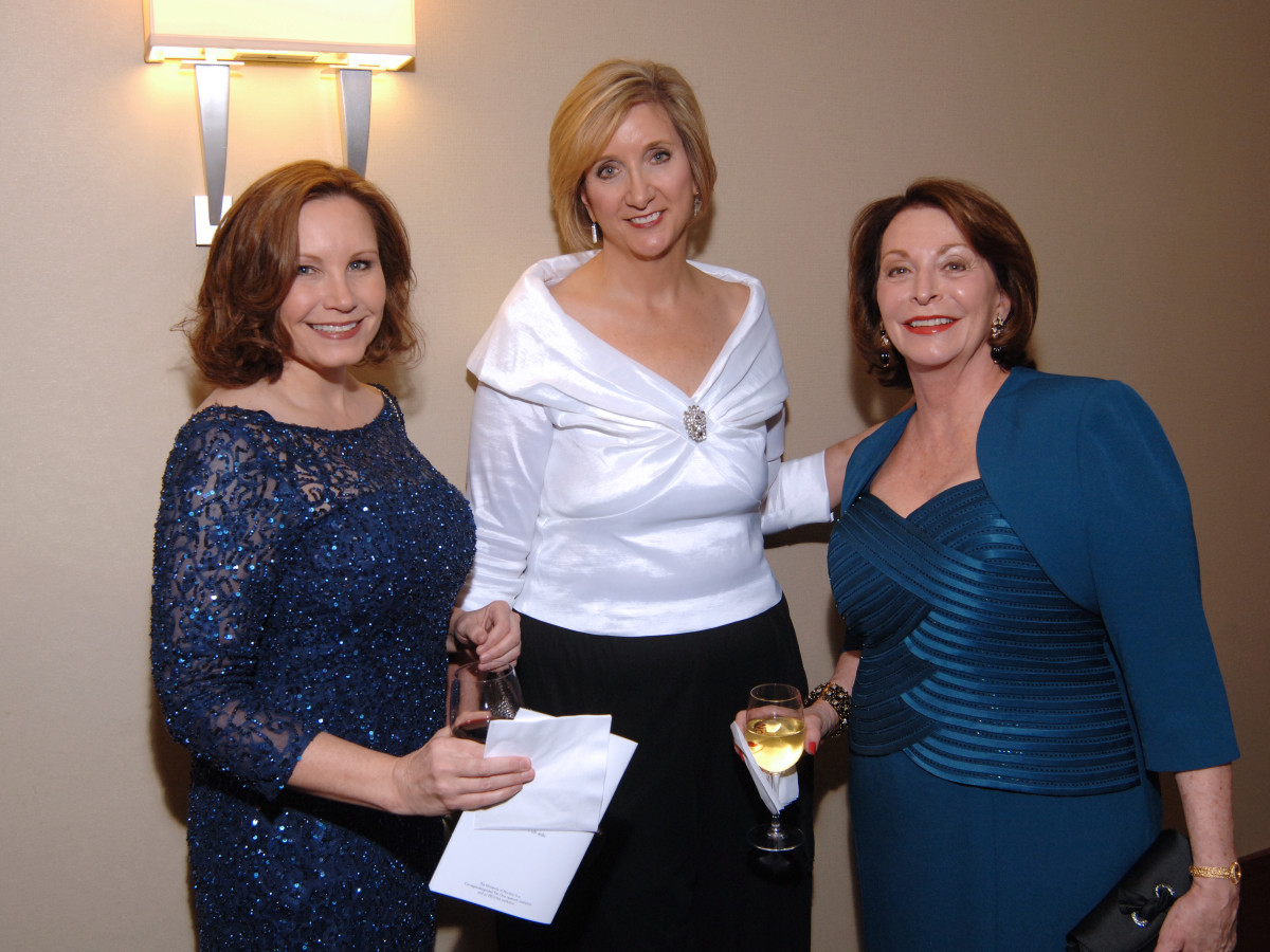 UH Law gala, April 2016, Anna Archer, Jackie Moy, Linda Glover