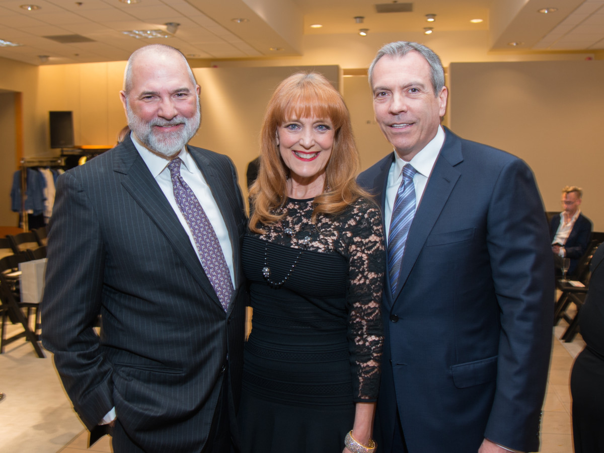 undefineBob Cavnar, Gracie Cavnar, Bob Devlin at Dress for Dinner