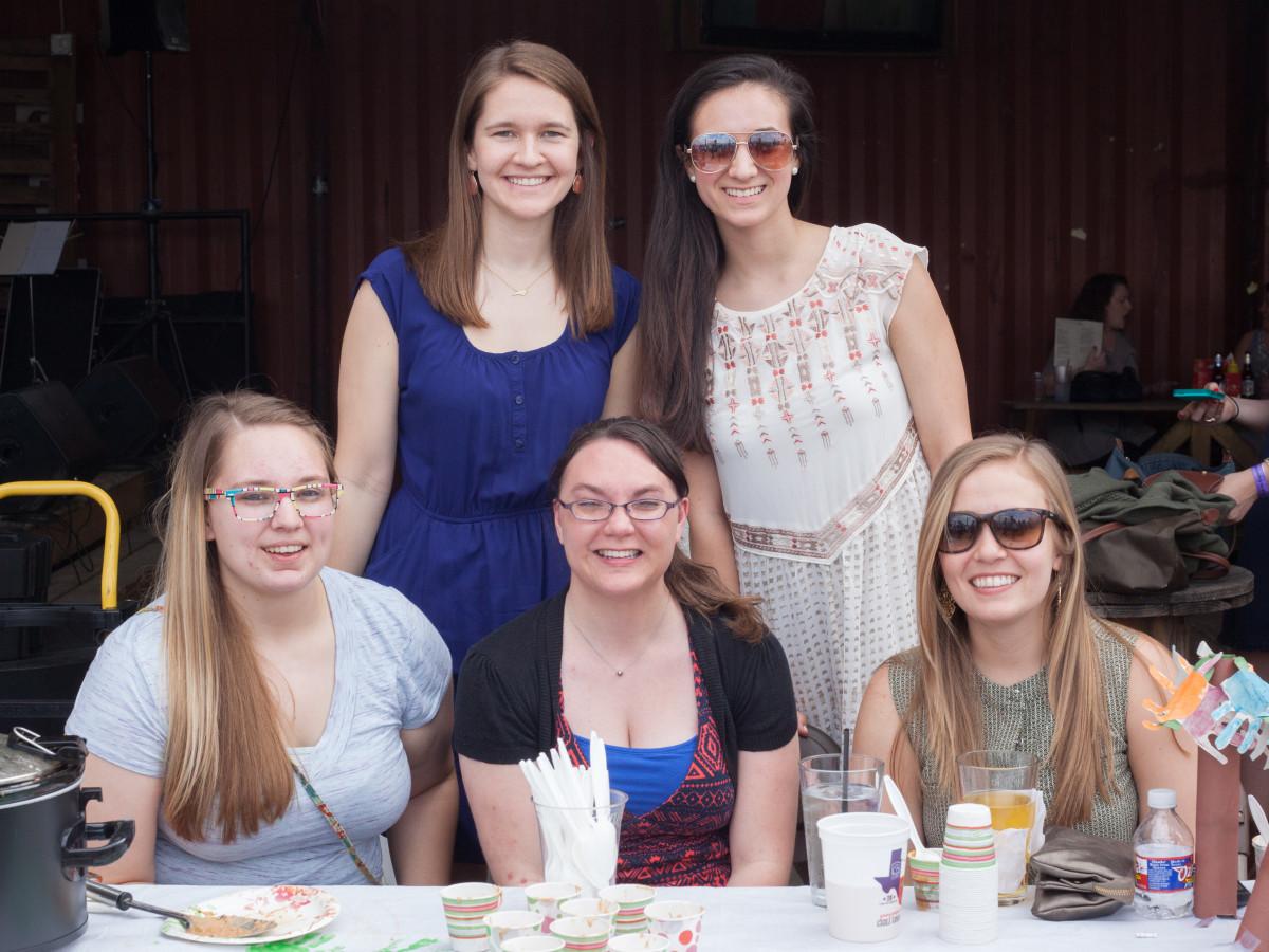 Casa de Esperanza chili cook-off, March 2016, Hannah Wendling, Hanna Siler, Kathy Stritt, Gabrielle Juqueria, Rachel Fisher