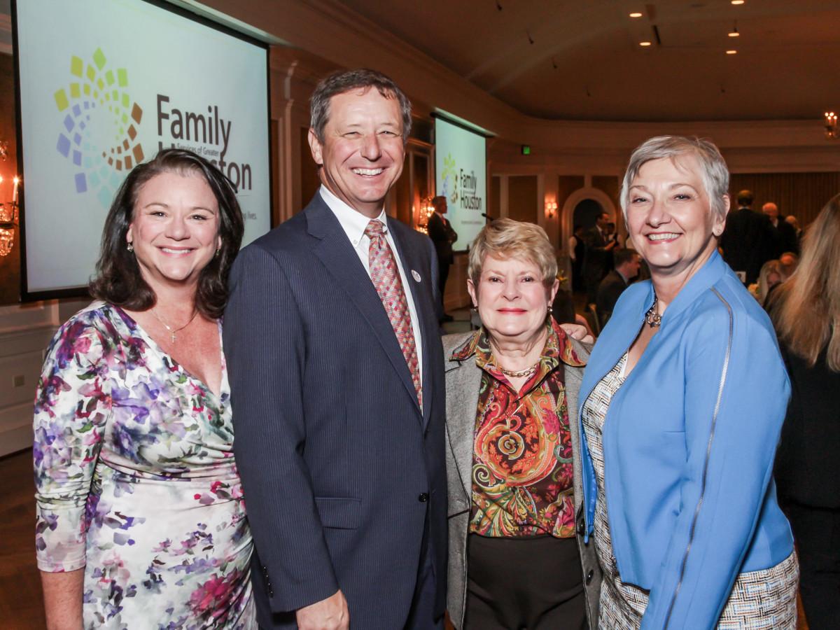 Family Houston, March 2016, David Wuthrich, Tara Wuthrich, Penny Butler, Helen Vollmer