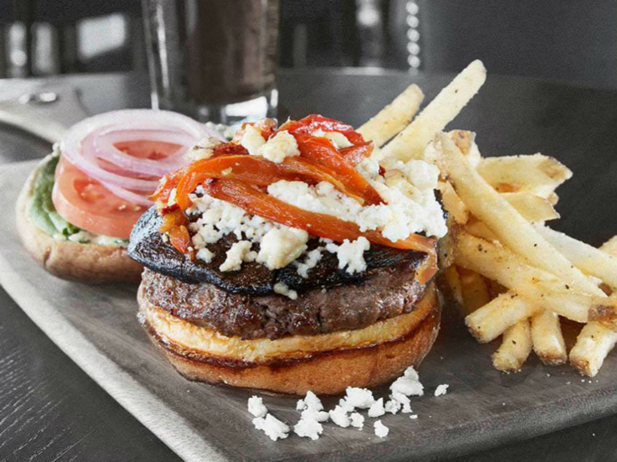 Burger at Bar Louie in Fort Worth