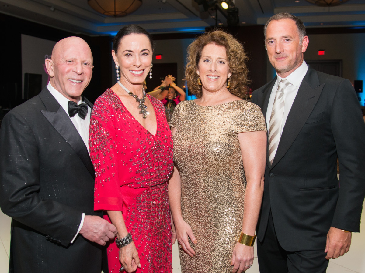 Komen Foundation Gala, Feb. 2016, Lester Smith, Sue Smith, Shelly Hendry, Brian Hendry